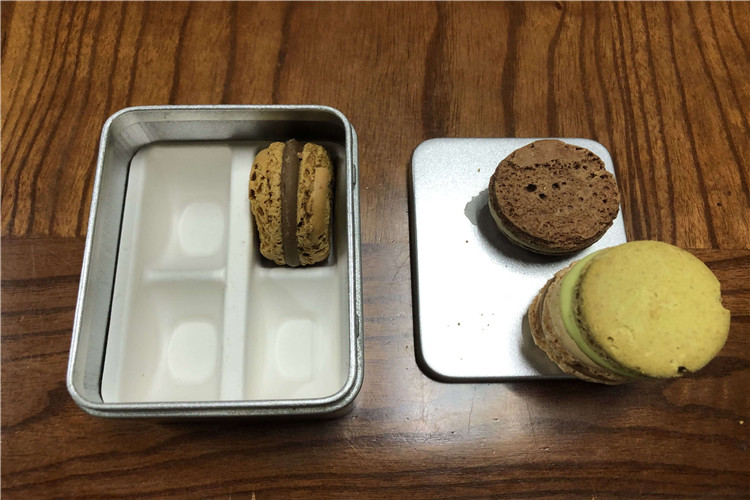 molded pulp tray for cookie cake and chocolate